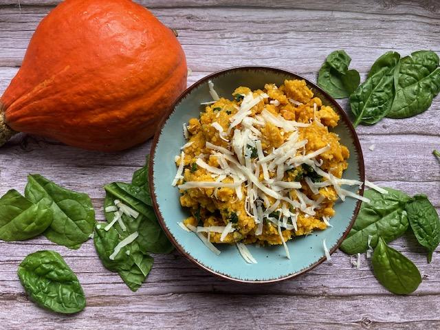 Kürbis-Quinoa mit Blattspinat